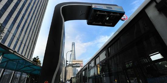 上海:智动柔性充电弓亮相街头