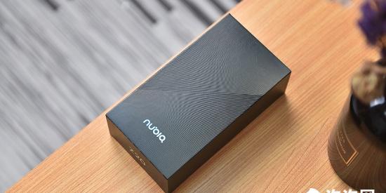 4800万超清双屏自拍 全新一代影像旗舰努比亚Z20开箱