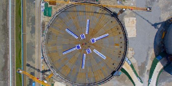 中国海油自主设计建造的第10座LNG储罐完成气压升顶