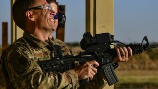 美军研发步枪智能瞄准装置 测试精准度