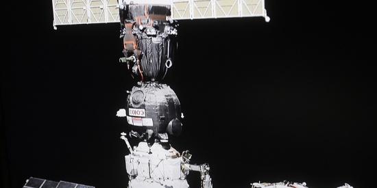 """""""联盟MS-13""""号飞船与空间站重新对接 为MS-14""""腾地儿"""""""