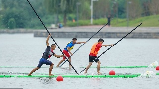 郑州:全国民族运动会独竹漂竞赛项目开赛