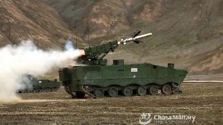 破甲先锋!陆军红箭-10高海拔实弹打靶