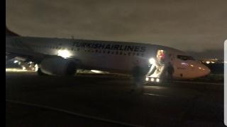又是波音!土耳其航空737客机降落时起落架