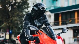 太太太帅了!可惜胆小的我这辈子与摩托车无