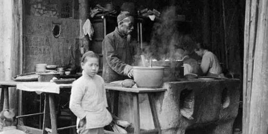 老照片:百年前的中国,图六是不是有点像林永健?
