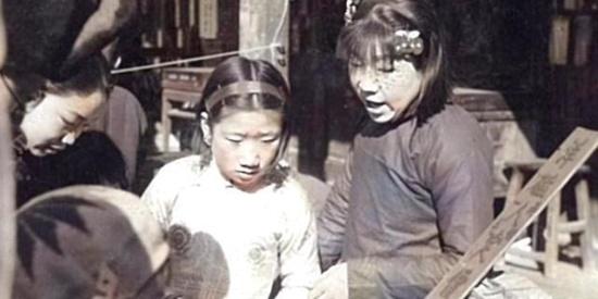 1930年代老照片,北平老街人物街拍。