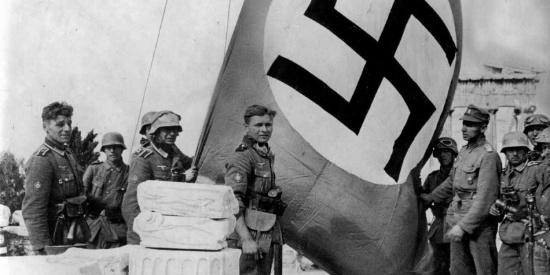 德军从天而降,拯救猪队友意大利!