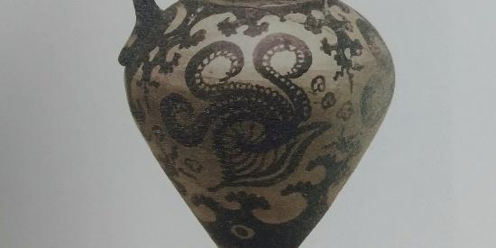 历史古希腊文明鹦鹉螺纹彩陶执壶