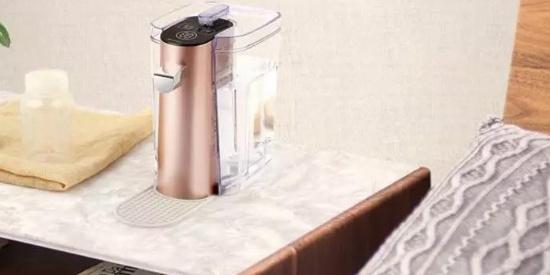来自日本的75年饮水机品牌,即热黑科技让你3秒喝花茶咖啡热奶