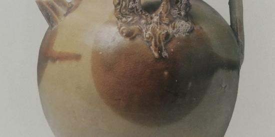 历史文物出土瓷器青釉贴花褐斑执壶