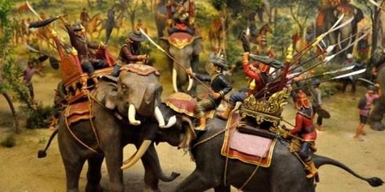 古代时期中外十大昂贵兵种
