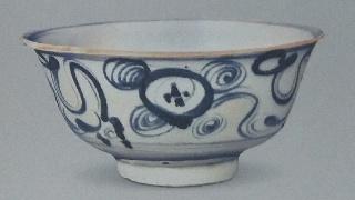 历史文物出土瓷器青花波浪纹碗