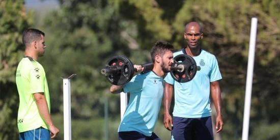 武磊领衔的西班牙人俱乐部进行第三天集训,球队积极备战新赛季