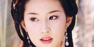 """两代""""神仙姐姐"""":李若彤和刘亦菲,风韵不同,各有各的美"""