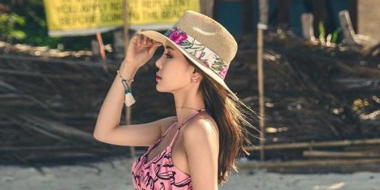 俏皮可爱的泳衣漂亮的草帽, 才是夏日的时尚!