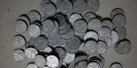 原来这种菊花图案的一角硬币这么值钱,快去翻翻你家有没有!