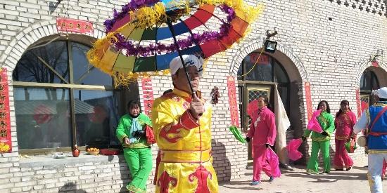 内蒙古无定河镇:锣鼓响,秧歌起,新春气氛搞起来
