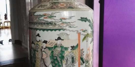 一只清康熙五彩人物故事棒槌瓶, 看古代人丰富细腻的生活场景