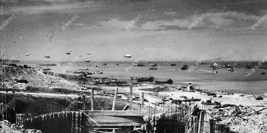 诺曼底登陆真实影像:巨舰大炮、飞机坦克  士兵潮水般涌向滩头