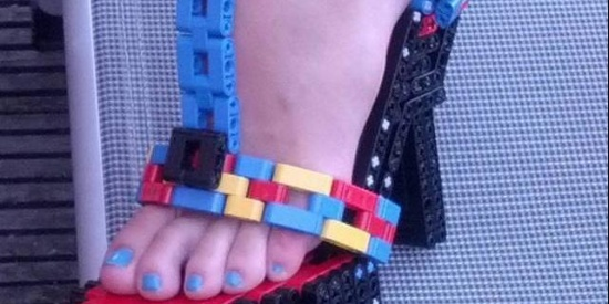 趣图分享:妹子,这鞋穿着不硌脚么